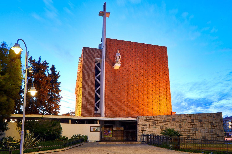 Fachada principal de la iglesia de Sant Nicolau de Grao de Gandia